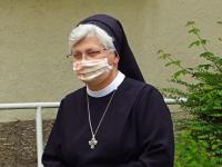 Ritafest Masken Schw. Rita-Maria quer